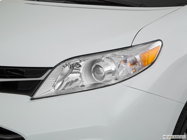 2018 Toyota Sienna | Pricing, Ratings, Expert Review
