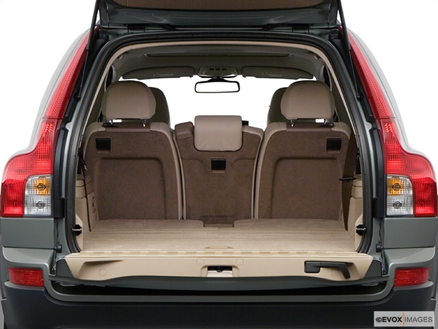 2008 Volvo XC90 | Pricing, Ratings, Expert Review | Kelley