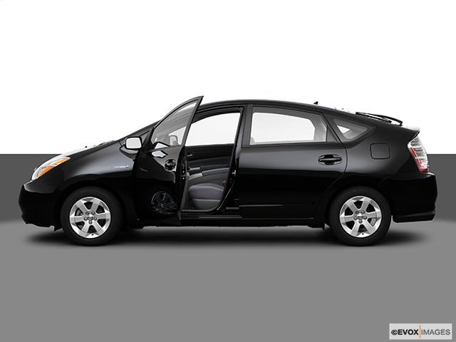 2009 Toyota Prius | Pricing, Ratings, Expert Review | Kelley