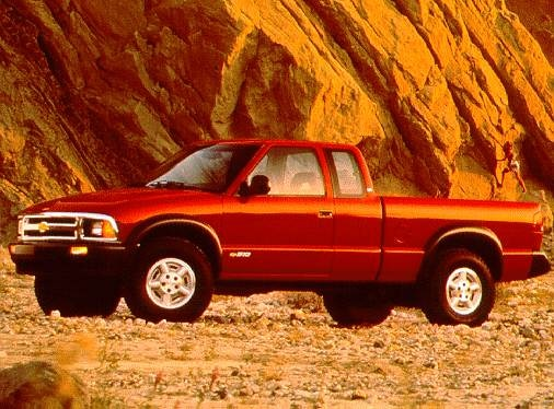 1997 Chevrolet S10 Extended Cab | Pricing, Ratings, Expert