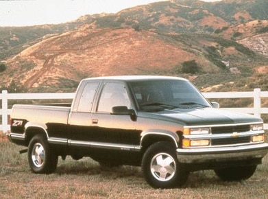 1998 Chevrolet 2500 Extended Cab | Pricing, Ratings, Expert