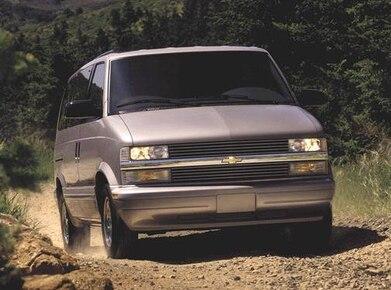 2001 Chevrolet Astro Passenger   Pricing, Ratings, Expert