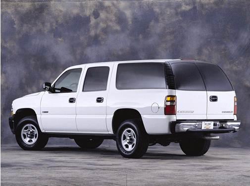 2001-Chevrolet-Suburban%201500-RearSide_