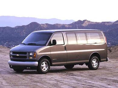 2002 Chevrolet Express 1500 Passenger | Pricing, Ratings