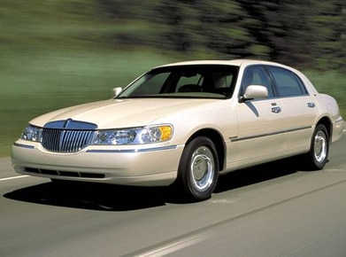 Used 2002 Lincoln Town Car Values Cars For Sale Kelley Blue Book