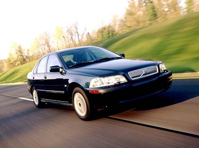 2002 Volvo S40 | Pricing, Ratings, Expert Review | Kelley