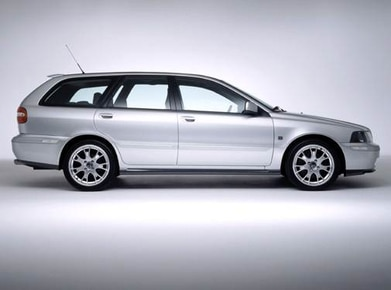 2004 Volvo V40   Pricing, Ratings, Expert Review   Kelley