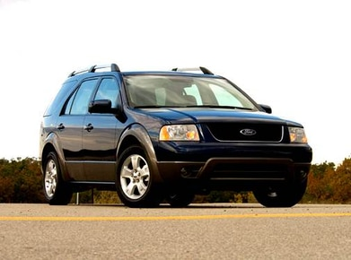 Kelley Blue Book Snowmobile >> 2005 Ford Freestyle Pricing Ratings Expert Review Kelley Blue Book