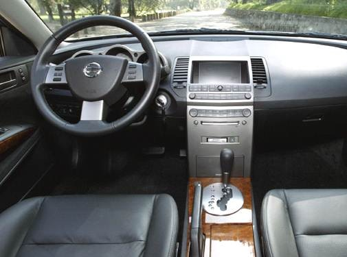 2005 Nissan Maxima | Pricing, Ratings, Expert Review | Kelley Blue Book