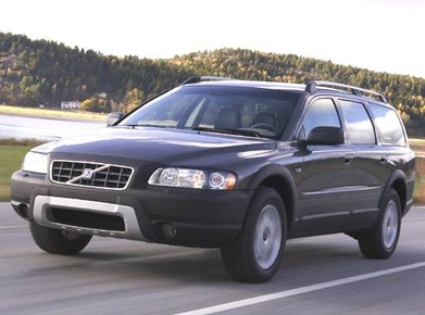 2005 Volvo XC70 | Pricing, Ratings, Expert Review | Kelley