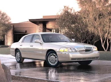 Used 2006 Lincoln Town Car Values Cars For Sale Kelley Blue Book