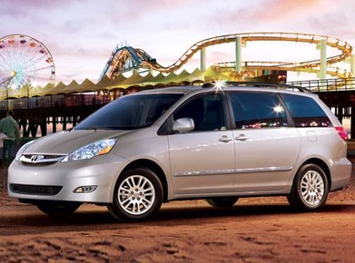 2009 Toyota Sienna | Pricing, Ratings, Expert Review