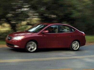 2010 Hyundai Elantra | Pricing, Ratings, Expert Review