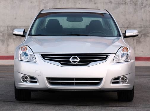 2010 Nissan Altima | Pricing, Ratings, Expert Review