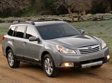 2010 Subaru Outback | Pricing, Ratings, Expert Review | Kelley Blue Book