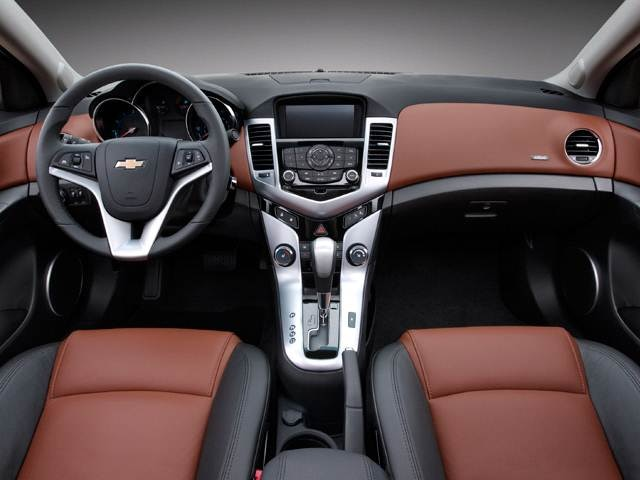 2011 Chevrolet Cruze | Pricing, Ratings, Expert Review