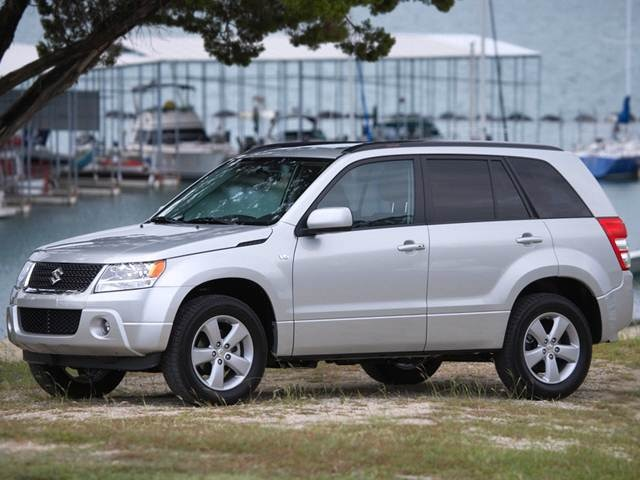 2011 Suzuki Grand Vitara | Pricing, Ratings, Expert Review
