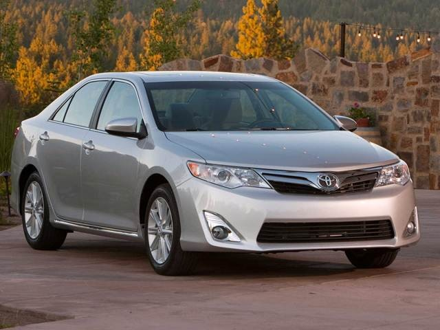 2012 Toyota Camry Xle >> 2012 Toyota Camry Pricing Reviews Ratings Kelley Blue Book
