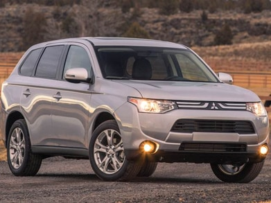 2014 Mitsubishi Outlander | Pricing, Ratings, Expert Review