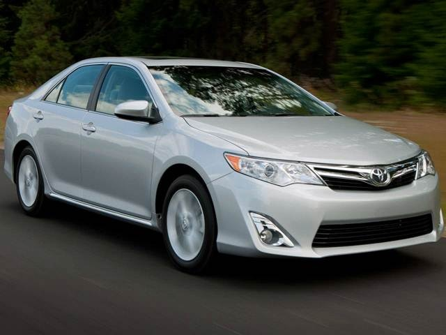 2014 Toyota Camry | Pricing, Ratings, Expert Review | Kelley