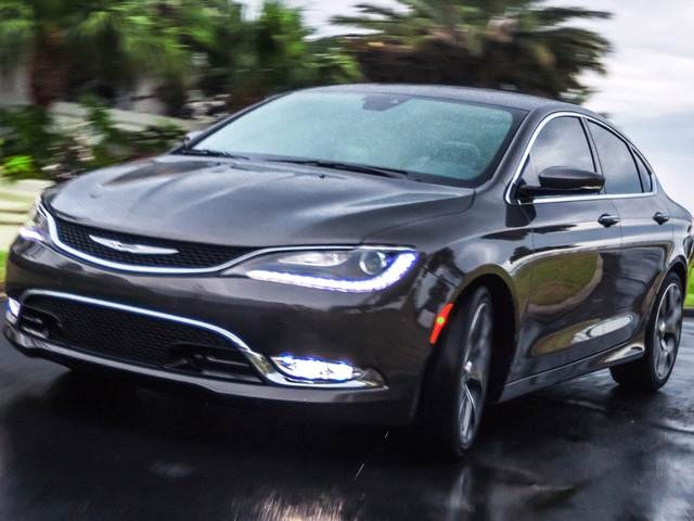 Chrysler 200 Car >> 2015 Chrysler 200 Pricing Reviews Ratings Kelley Blue Book