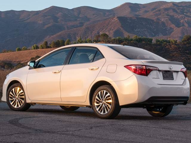 2017 Toyota Corolla | Pricing, Ratings, Expert Review