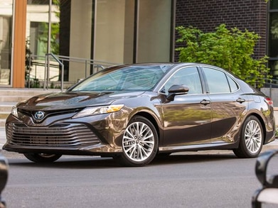 No Credit Check Car Dealers >> 2019 Toyota Camry Hybrid Pricing, Reviews & Ratings | Kelley Blue Book
