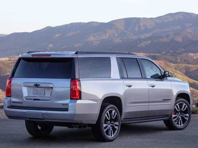 2020 Chevrolet Suburban Reviews Pricing Specs Kelley Blue Book