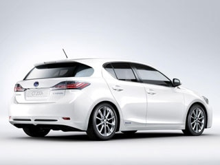 Beneath Its Handsome And Relatively Aerodynamic 0 29 Coefficient Of Drag L Finesse Inspired Bodywork The 2017 Lexus Ct 200h Is Ed With Same