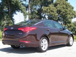 2011 kia optima first drive kelley blue book. Black Bedroom Furniture Sets. Home Design Ideas
