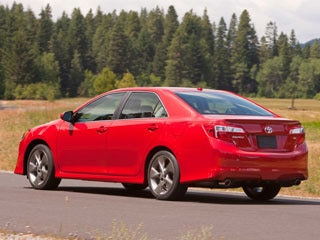 The 2017 Toyota Camry Sedan Is A Generational Redesign That Builds On Midsize S Historic Strengths By Complementing Its Practical Nature With An