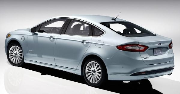 2013 Ford Fusion Energi First Review: Professional Plug-in 8