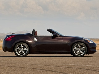 2010 Nissan 370Z Roadster: Now with SynchroRev Match! 1