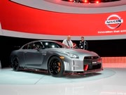 2015 Nissan GT-R and GT-R NISMO