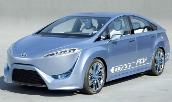 Toyota will launch fuel-cell powered sedan