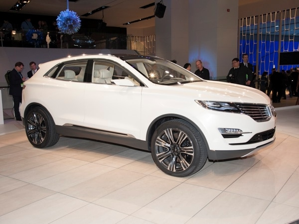 Revealed: Lincoln MKC Concept - Detroit 2013 | Kelley Blue Book