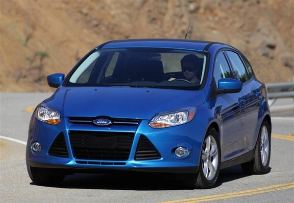 2012-ford-focus-front-action-600-001