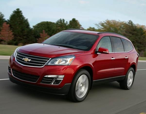 2013-chevrolet-traverse-front-action-600-001