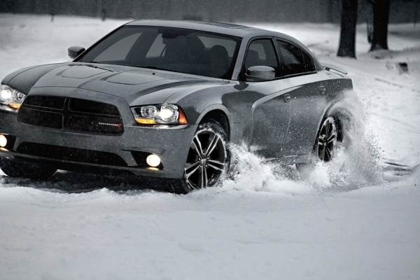 2013-dodge-charger-awd-sport-(3)-600-001