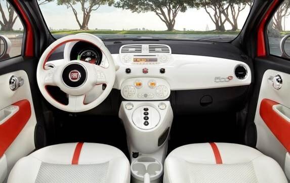 2013-fiat-500e-interior-detail-600-001