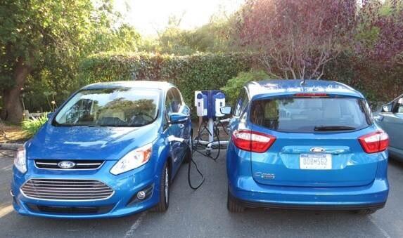 2013-ford-c-max-energi-dual-charging-shot-2-600-001