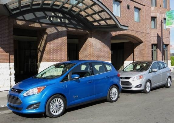 2013-ford-c-max-energi-dual-front-static-sf-2-600-001