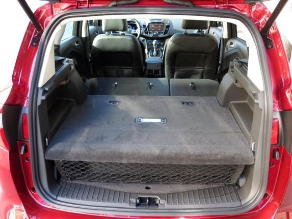2013-ford-c-max-energi-rear-cargo-look-in1-600-001