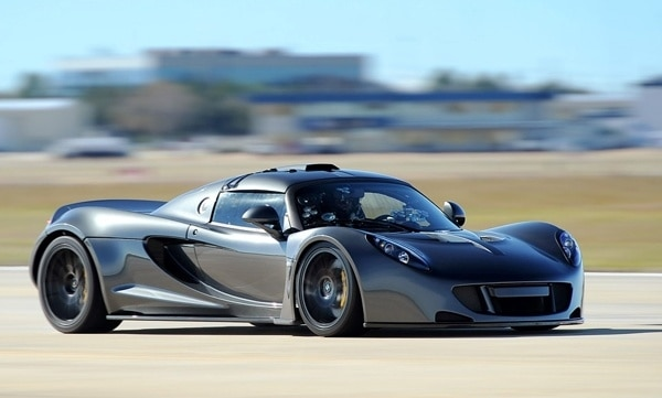 2013-hennessey-venom-gt-300-kph-record-front-action-600-001