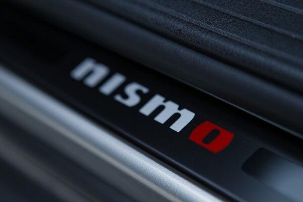 2013-juke-nismo-door-sill-600-001