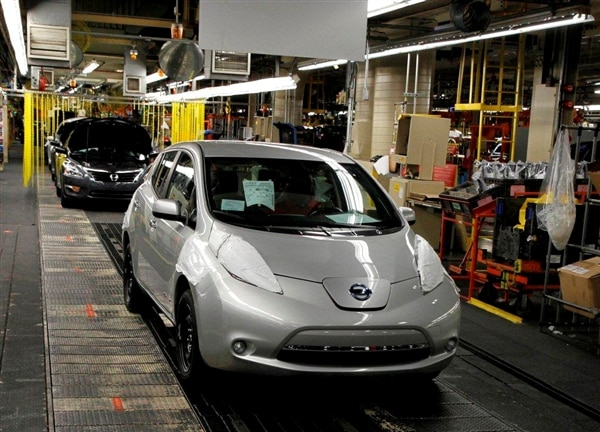2013-nissan-leaf-assembly-in-smyrna2-600-001