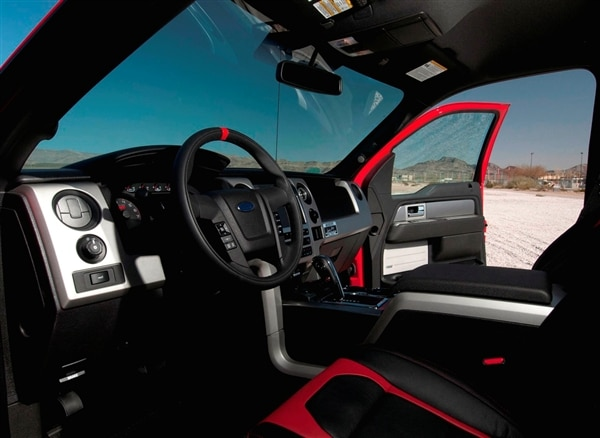 2013-shelby-ford-raptor-interior-600-001