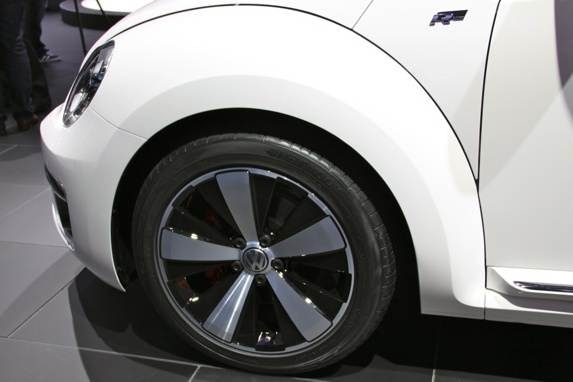 vw-beetle-convertible-21-600-001