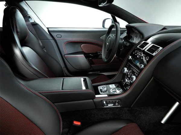 2014-aston-martin-rapide-s-front-seats-detail-duotone-upholstery-600-001