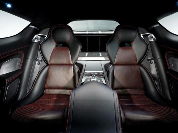 2014-aston-martin-rapide-s-rear-seat-detail-duotome-upholstery-600-001